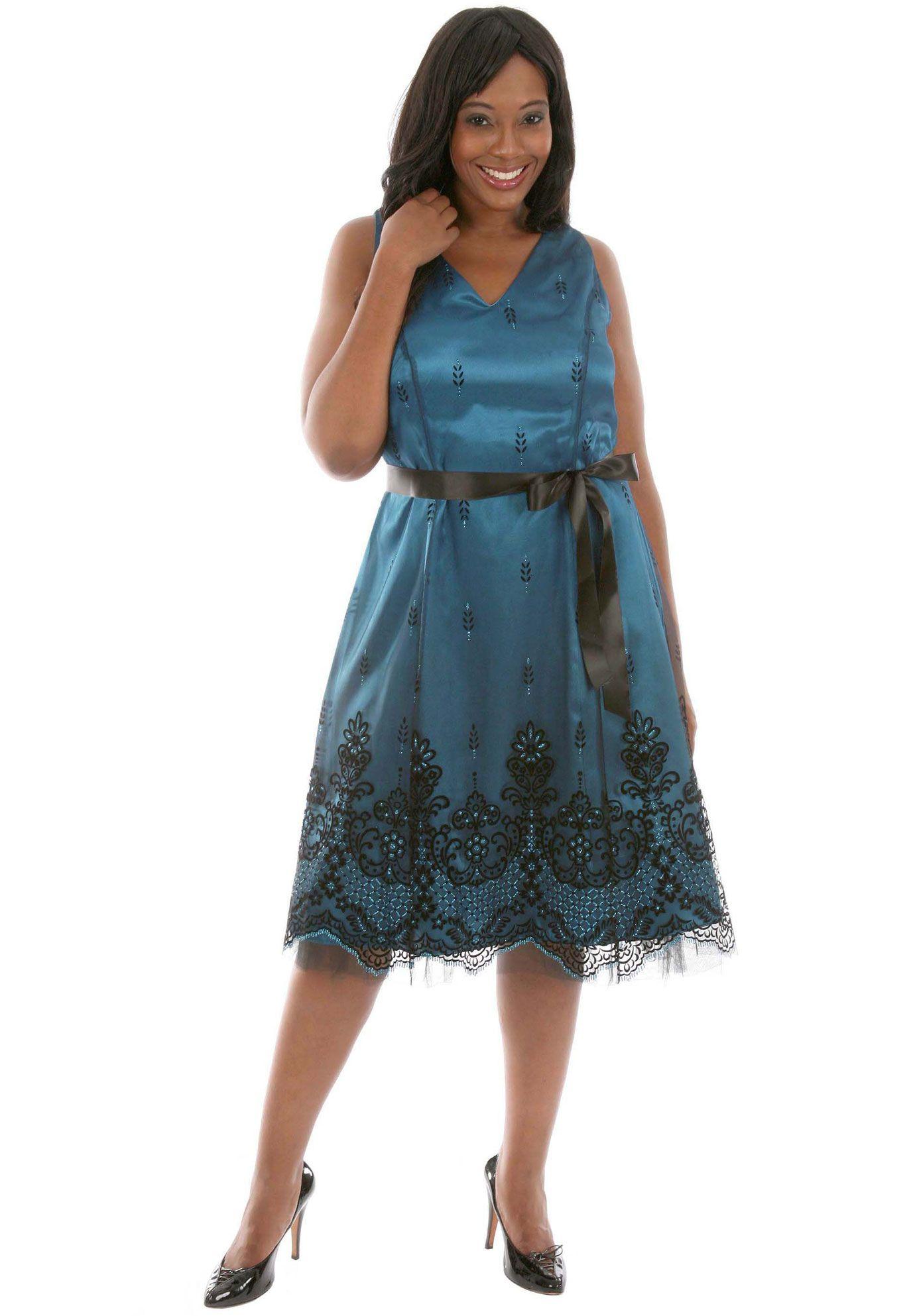 Elyvo Rochii de seara xxl si costume de ocazie elegante Fii unica intr-o rochie eleganta fabricata in Romania de Elyvo Brokart! Va oferim o gama larga de R ochii de Seara lungi si C ostume de Ocazie midi create special pentru marimi mari xxl si pentru evenimentele deosebite din viata dumneavoastra.